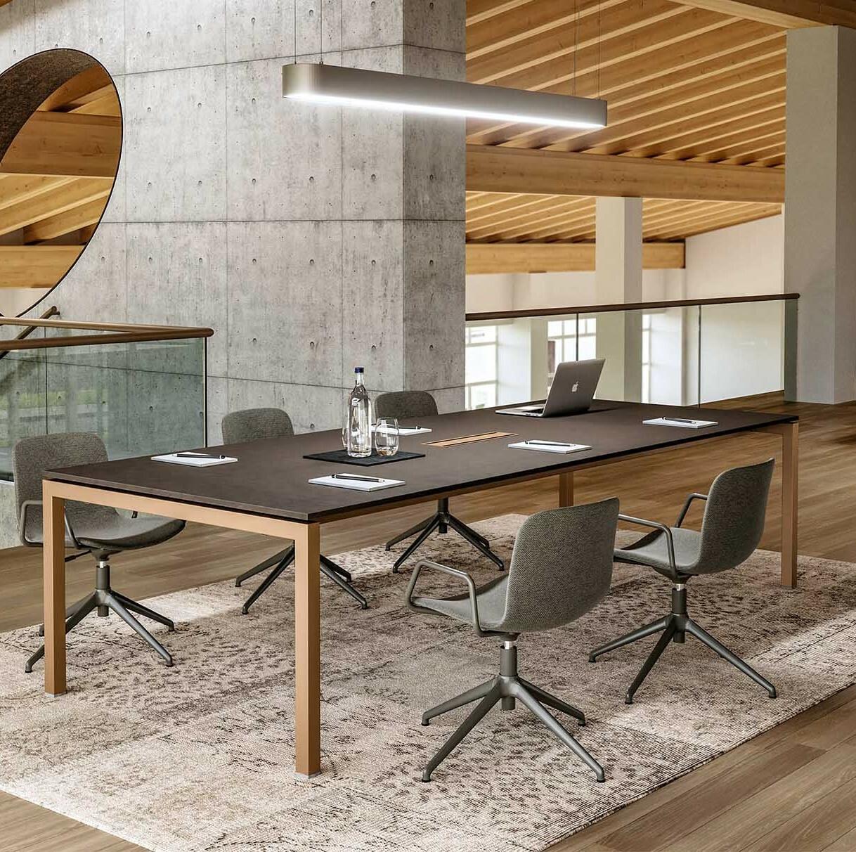 Konferenční a jednací stoly